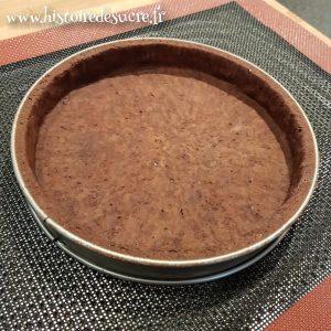 fond de tarte foncé cuit