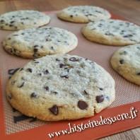 Cookies moelleux aux pépites de chocolat et fourrés au Nutella
